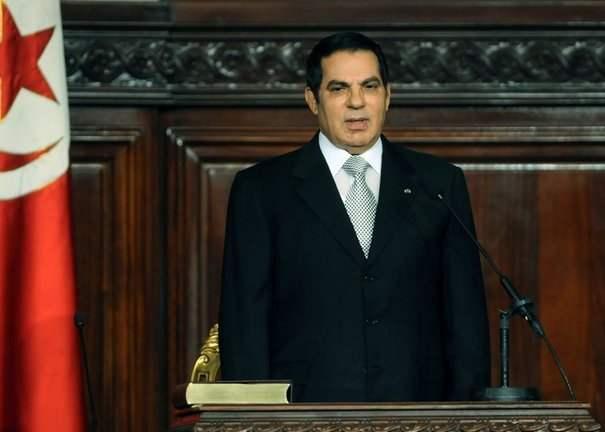 132022_zine-el-abidine-ben-ali-devant-le-parlement-tunisien-le-12-novembre-2009
