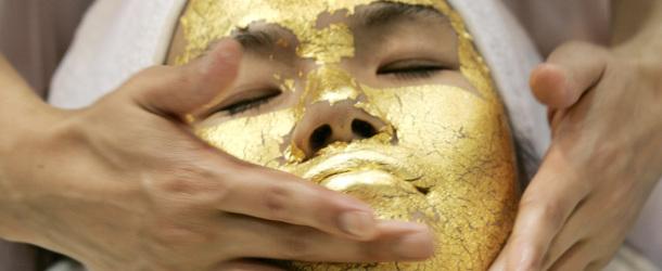 Le secret de beauté de Cléopâtre : un masque en or