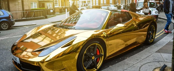 Ferrari en or : une voiture qui fait sensation